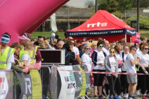 On Saturday 9th May 2,500 runners arrived at the Lincolnshire showground to take part in this family focused fundraing colour dash to raise money for St Barnabas Lincolnshire Hospice - the first ever colour dash to be held in Lincolnshire!