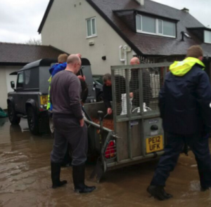 Residents gather round for sandbags